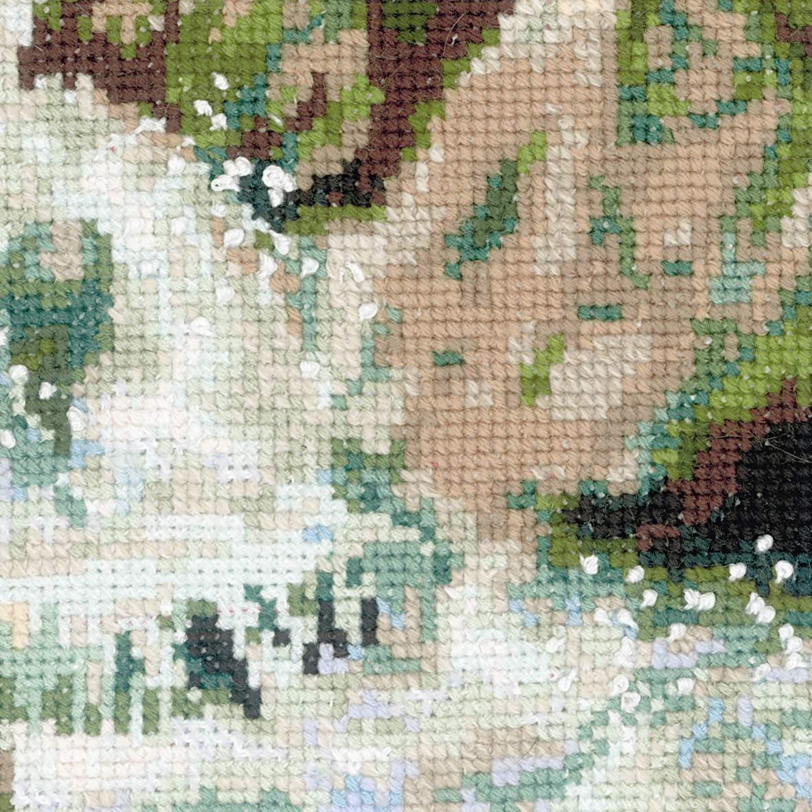 Вышивка крестом горная река